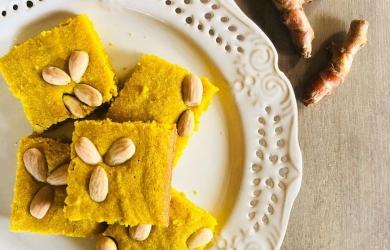 Sfouf, czyli Libańskie ciasto na kaszy mannej z kurkumą