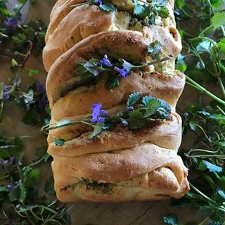 Chlebek mocy z bluszczykiem kurdybankiem